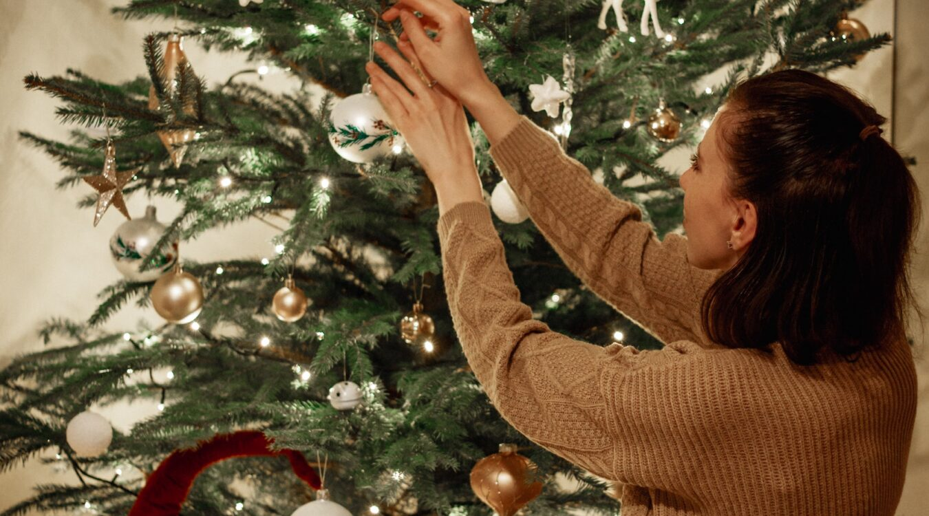 Single Bells: Navigating the Holiday Season Unpartnered
